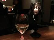 グラスワインもバカラで