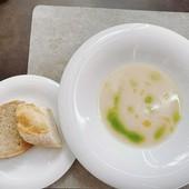 3500円ランチコースのスープとパン
