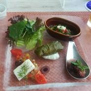 一皿一皿が、丁寧に調理されていておいしかったです。フロアーの方も感じがよく、雰囲気の良いレストランで